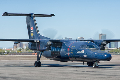 "de havilland canada ct-142 dash-8 ""gonzo"""